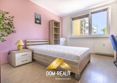 Zrekonštruovaný zariadený 3i byt Dúbravka (Gallayova)