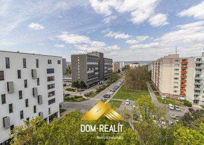 Priestranný 3 izbový byt Ružinov, Pošeň, Babušková ulica
